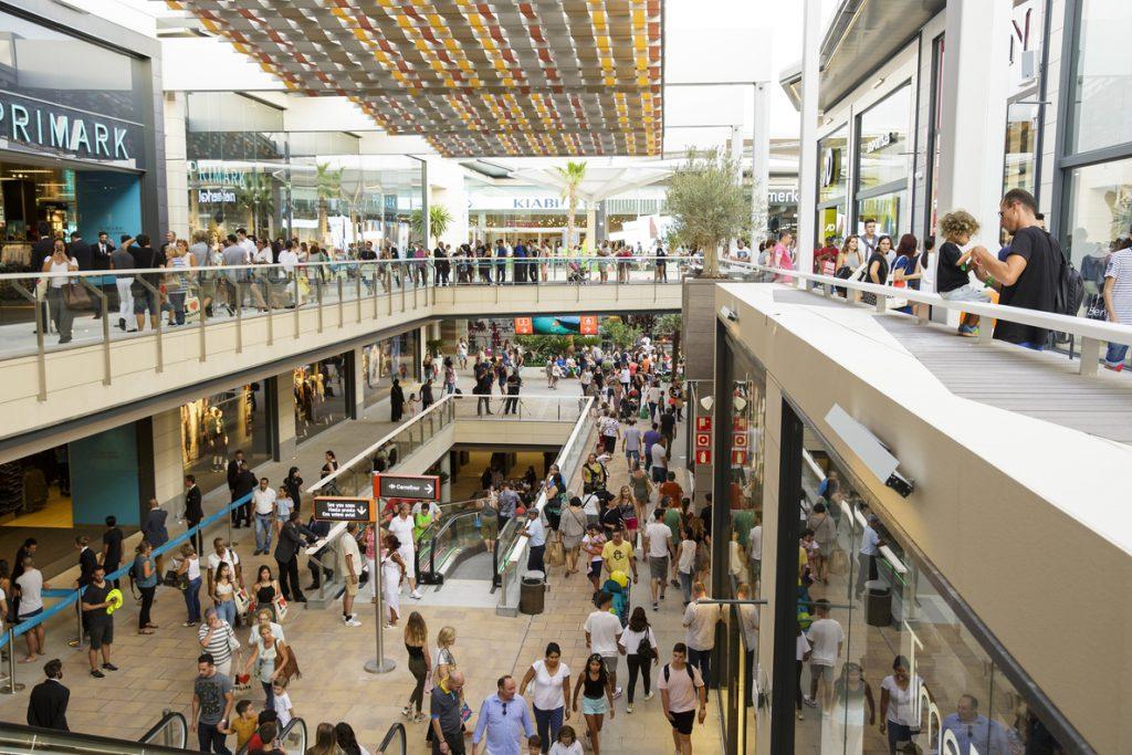 Carmila adquiere un centro comercial en Málaga y otros ocho establecimientos por 25,7 millones de euros