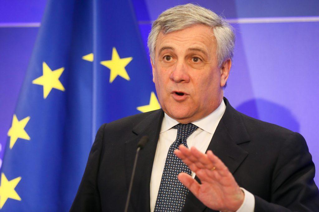 Tajani dice que el 'no' al acuerdo del Brexit es una «mala noticia» y pide protección para los ciudadanos