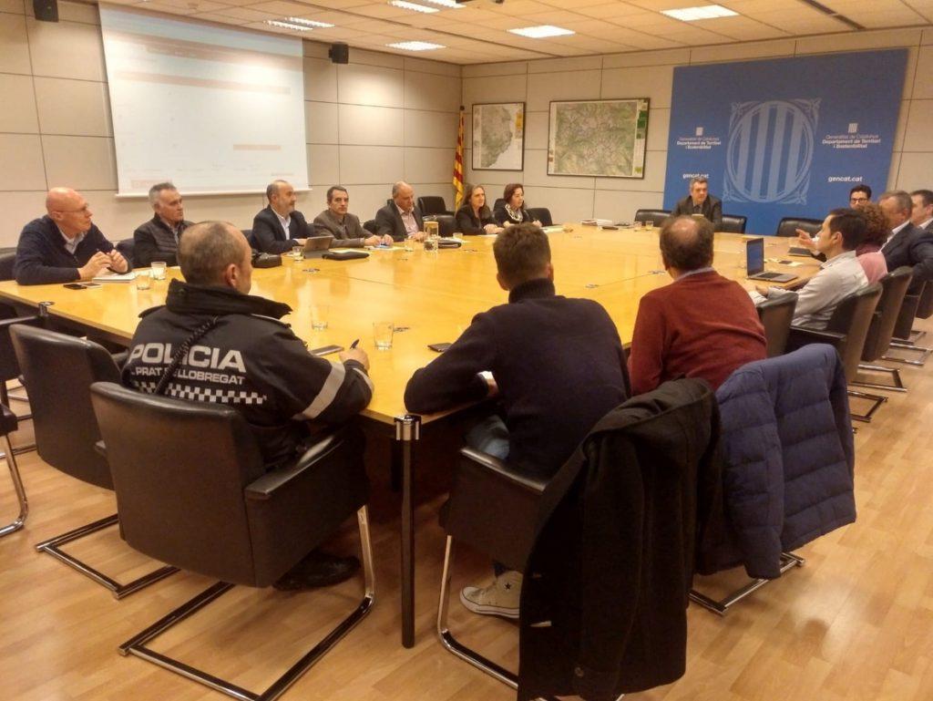 La Generalitat aborda el decreto de VTC con estas empresas, cuerpos policiales y el AMB
