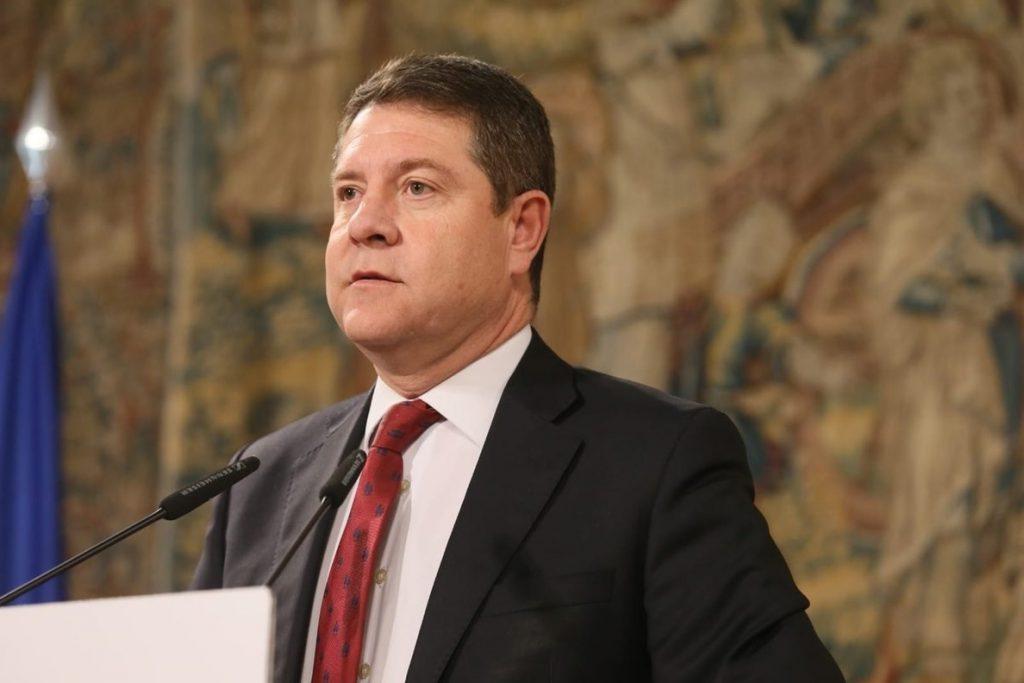 García-Page advierte al PP que una moción de censura no puede servir de «globo sonda»: «Si tiene coraje que la presente»