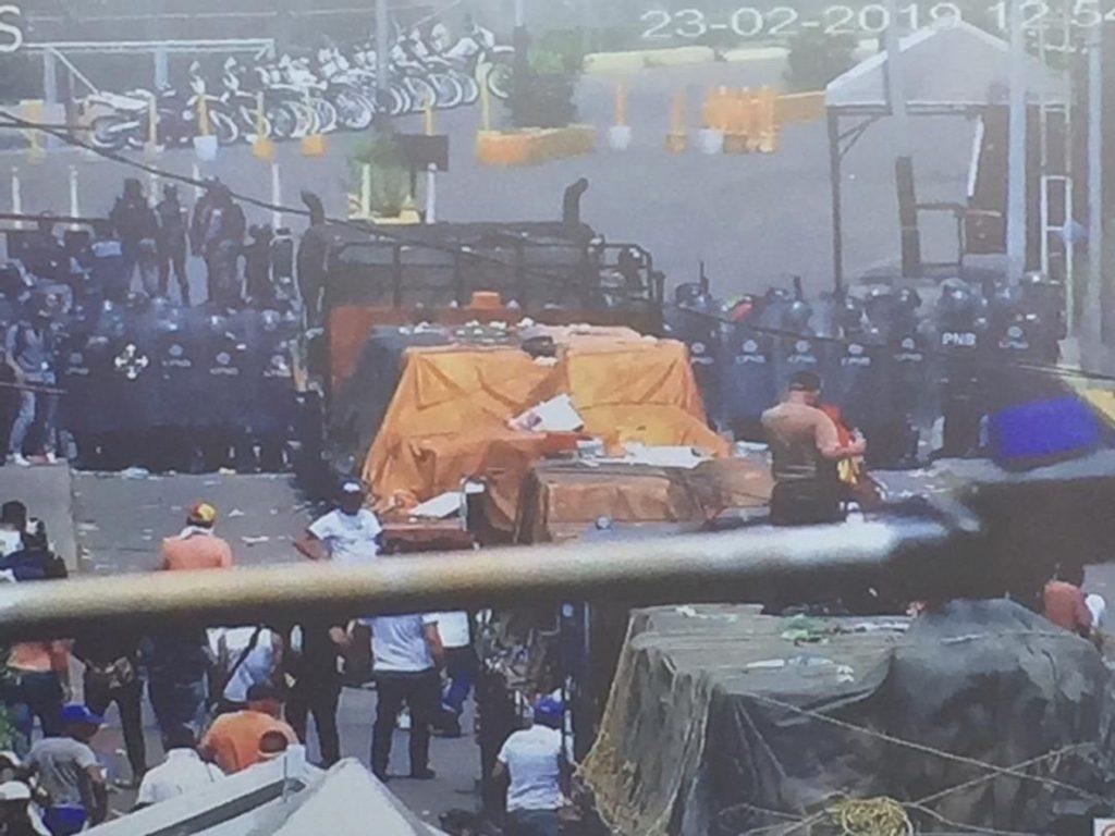 La oposición de Venezuela asegura que han logrado introducir en Venezuela 50 toneladas de ayuda humanitaria