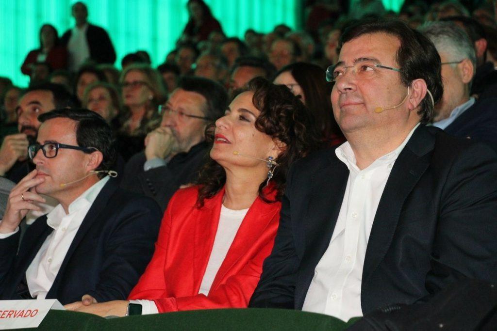 La ministra de Hacienda dice que el PSOE busca la «política transformadora» mientras la derecha «quiere el poder»