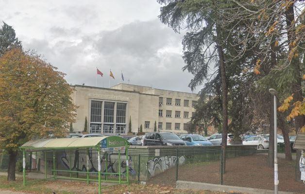 Desalojan la Escuela Técnica de Arquitectura de Madrid por el hallazgo de un obús de la Guerra Civil