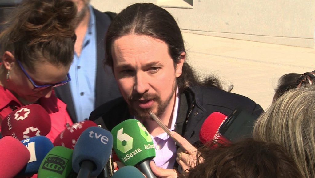 Iglesias quiere que la banca devuelva el rescate bancario con un extra de 10 puntos en el Impuesto de Sociedades
