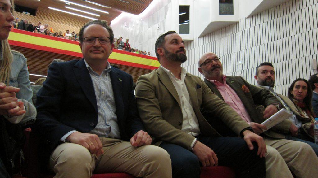 Abascal avisa a PP y Cs que habrá «consecuencias» con «el incumplimiento» de lo pactado en Andalucía