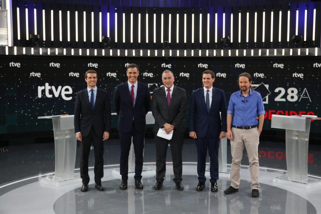 Sánchez evita descartar un pacto con Cs, como le reclama Iglesias y  Rivera ofrece un acuerdo a Casado sin el PNV