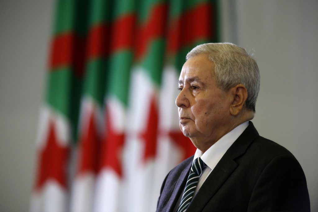 El presidente interino de Argelia cesa al director ejecutivo de la estatal Sonatrach