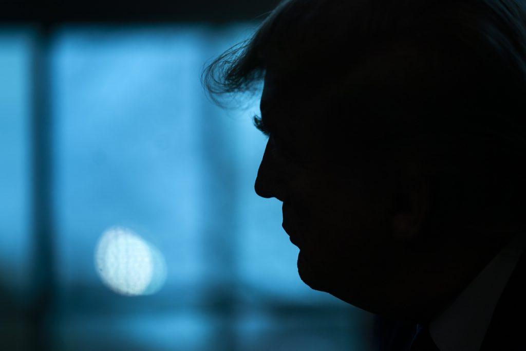 Mnuchin rechaza formalmente entregar las declaraciones fiscales de Trump al Congreso