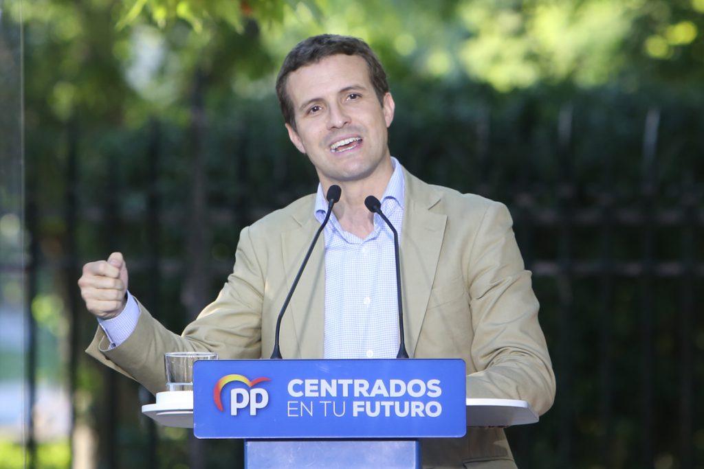 Casado a Sánchez: No se trata de «rematar la faena» sino de evitar que siga «haciendo una faena» a los españoles