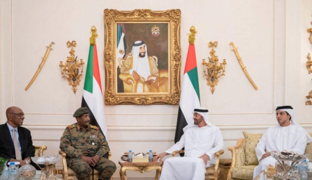 El líder de la junta militar sudanesa prosigue en Emiratos su ronda de contactos internacionales