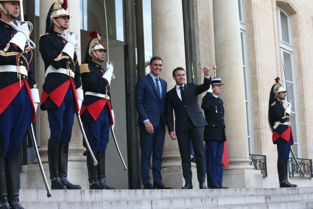 Sánchez y Macron coinciden en buscar una alianza progresista que frene a la ultraderecha