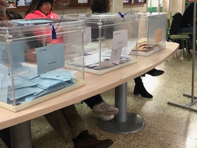 La Junta Electoral suspende hasta mañana la revisión de las actas de Cantabria por posibles errores