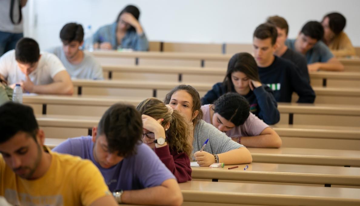 Casi 180.000 firmas piden una Selectividad única para toda España: «Un buen estudiante no se mide en un exámen»