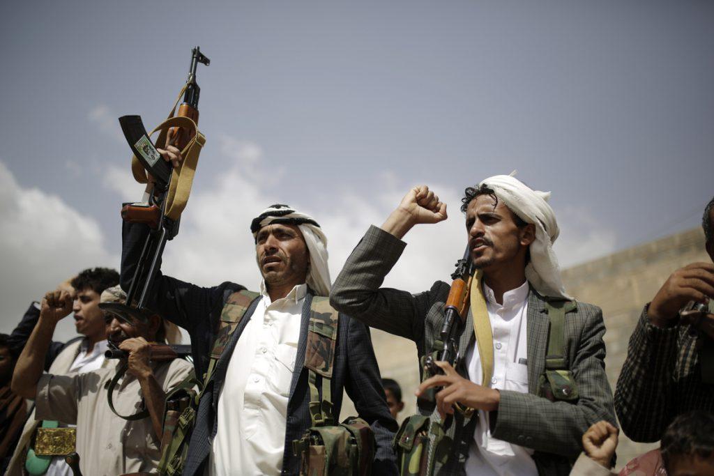 La coalición ataca objetivos de los huthis en Hodeida, incluidas «embarcaciones cargadas de explosivos»