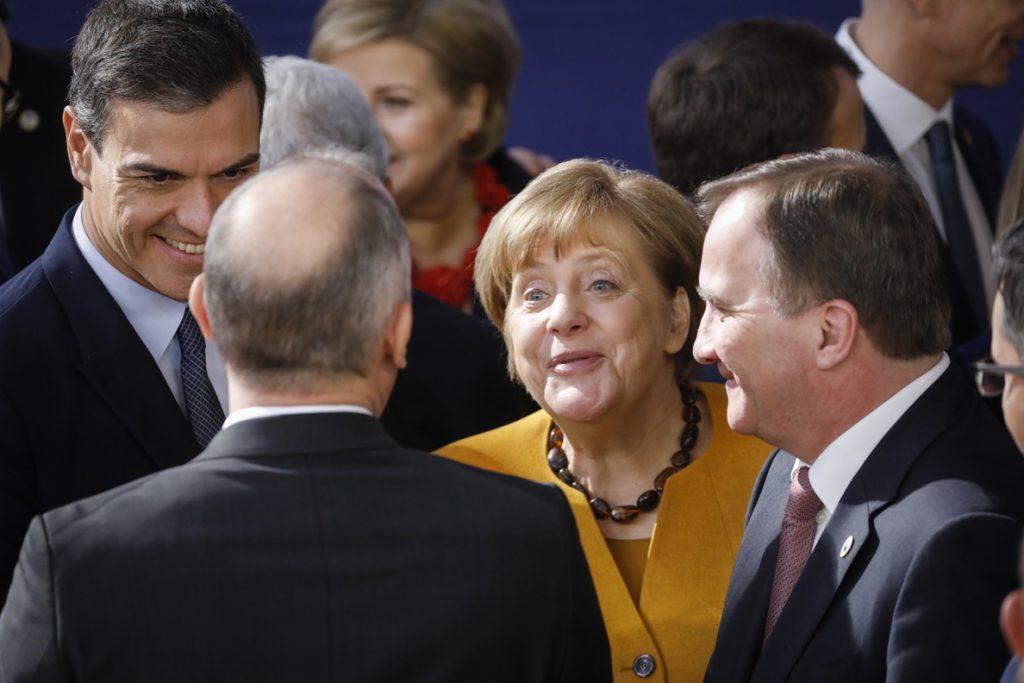 Los líderes europeos suspenden la cumbre y aplazan la negociación