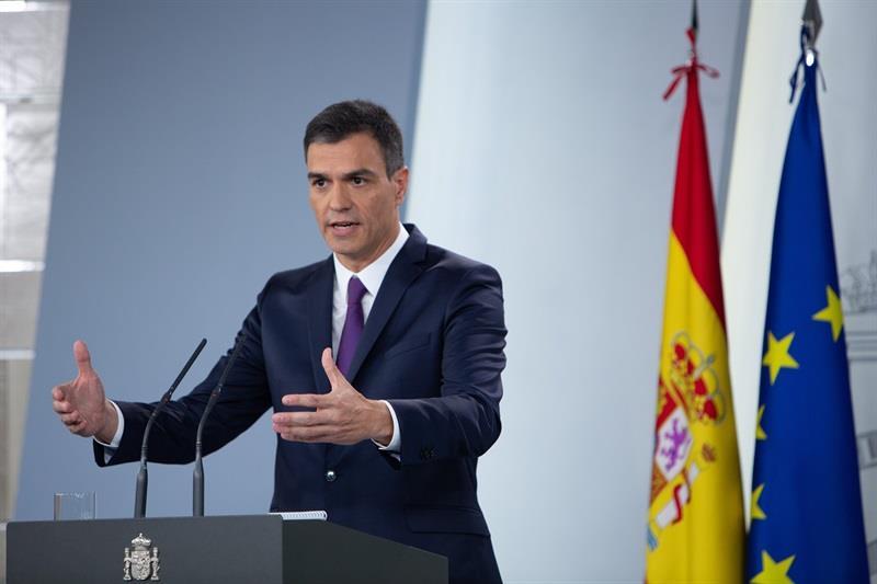 Sánchez presenta su programa y evita hablar de Cataluña