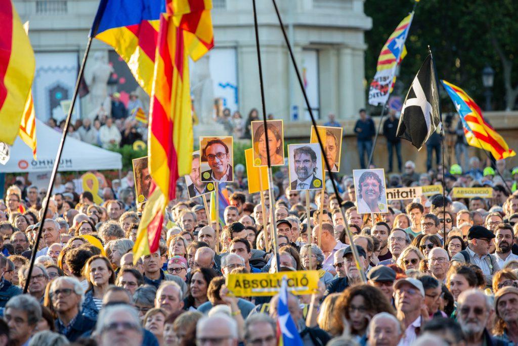 El 48,8% de los catalanes rechaza la independencia