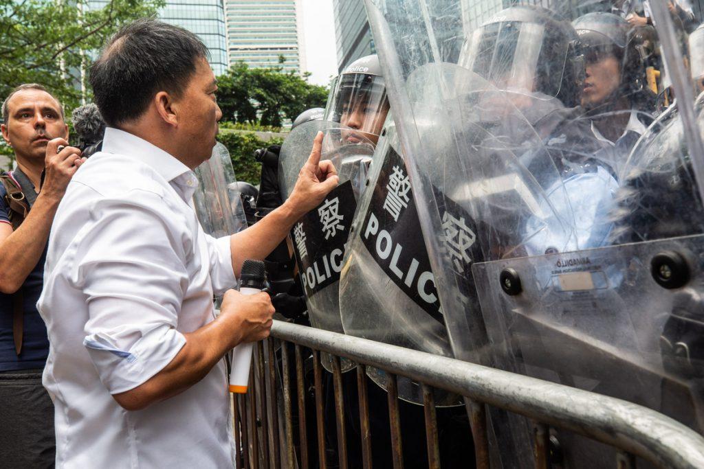 China nombra a un nuevo jefe de la Policía de Hong Kong ante el recrudecimiento de las protestas