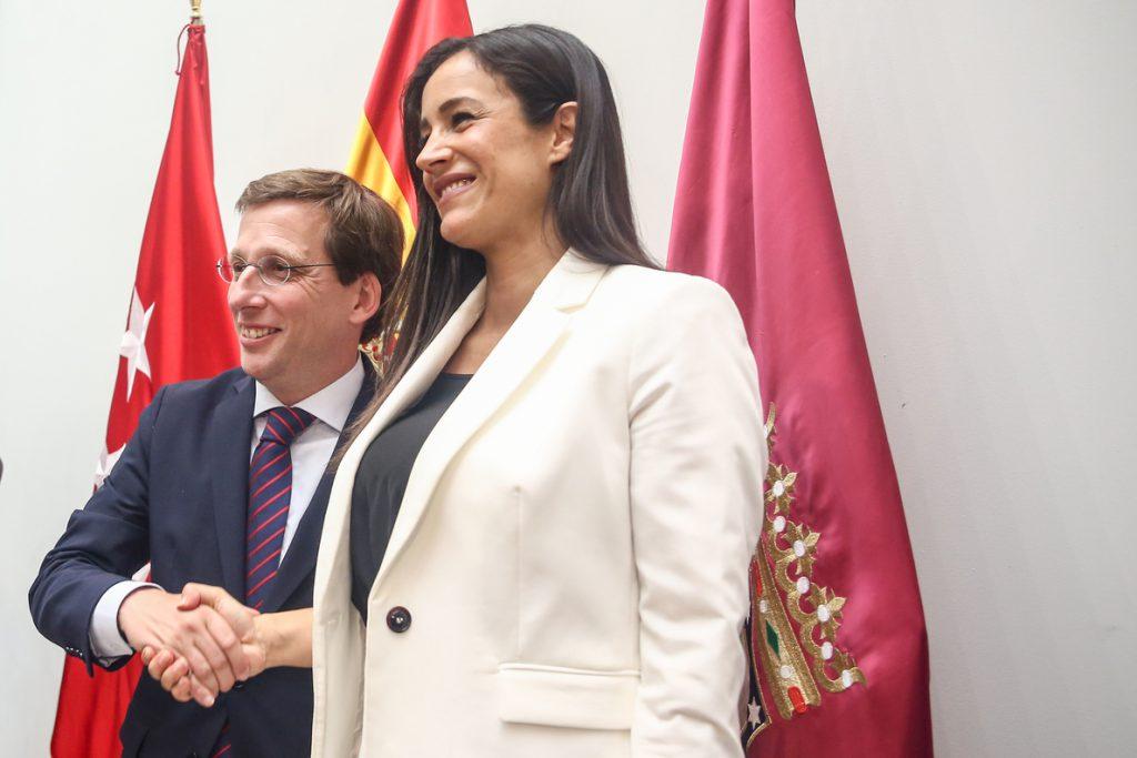 Almeida y Villacís estudiarán la moción del PSOE para reprobar formalmente a Ortega Smith