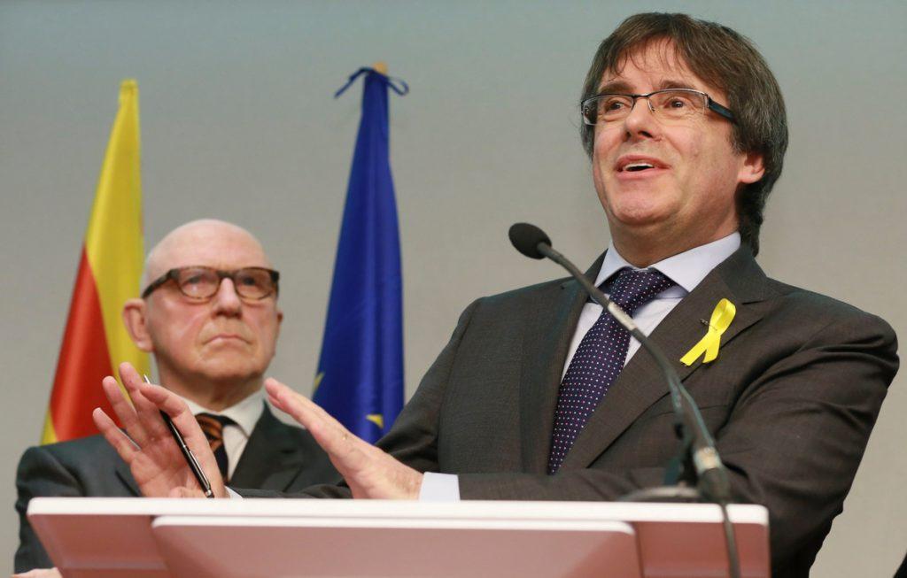 Puigdemont descarta instalarse en Cataluña y apuesta por agotar la legislatura