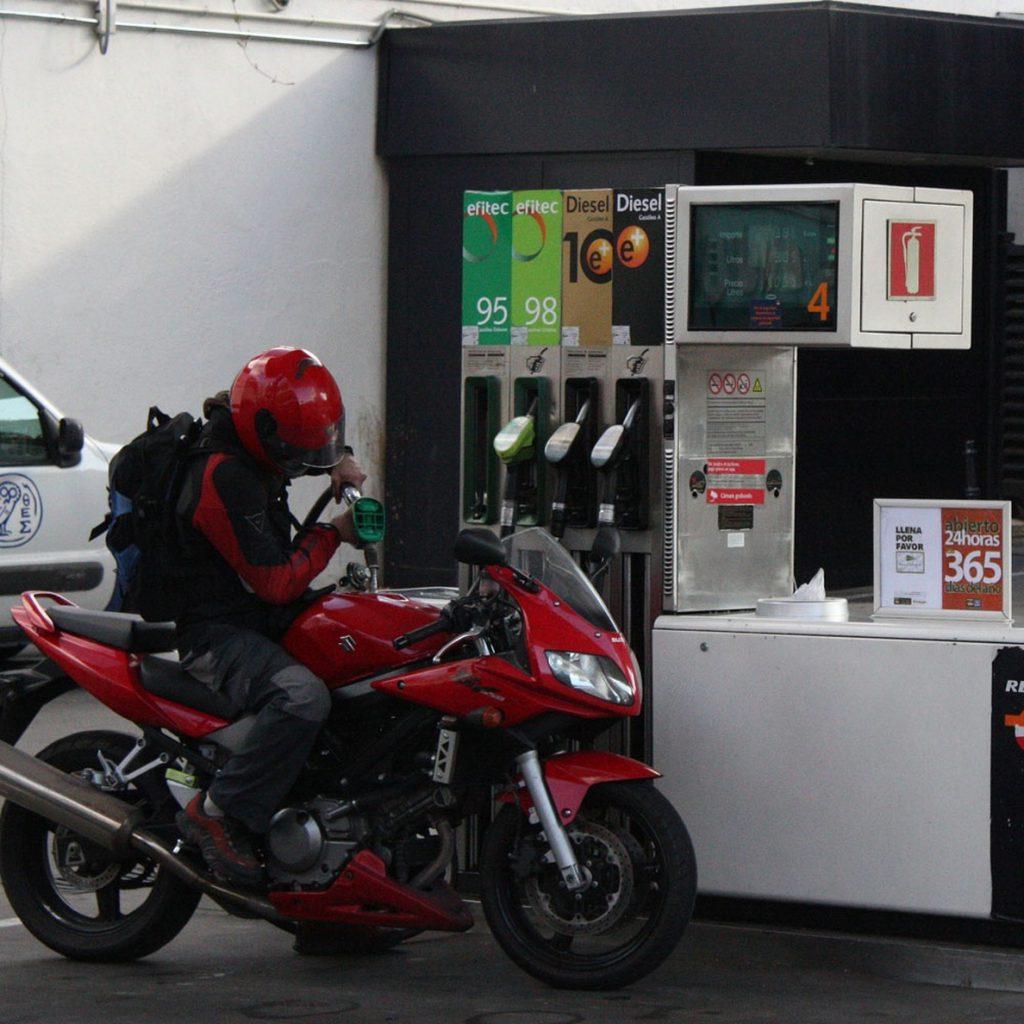 El precio de la gasolina y del gasóleo prosigue al alza