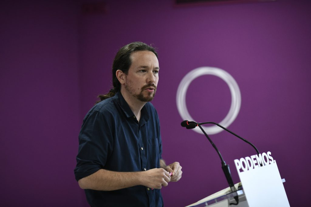 Iglesias asegura que el 'pin parental' «busca normalizar la desobediencia de la derecha»
