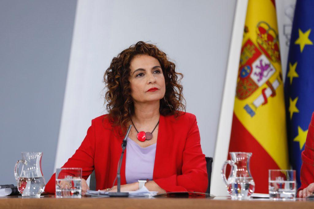 El Gobierno aprueba la subida del salario mínimo a 950 euros este año