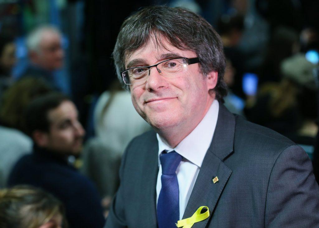 Puigdemont espera de Sánchez la oferta de un referéndum de autodeterminación