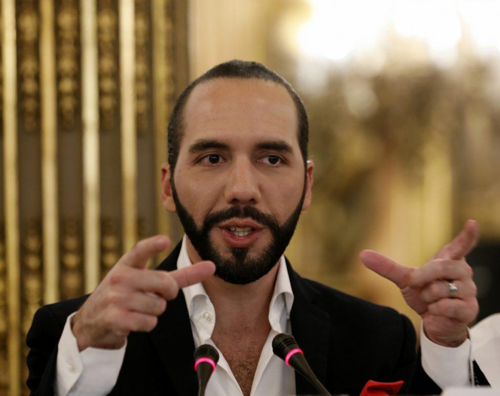 El Constitucional de El Salvador ordena a Bukele que se abstenga de usar al Ejército y presionar al Legislativo