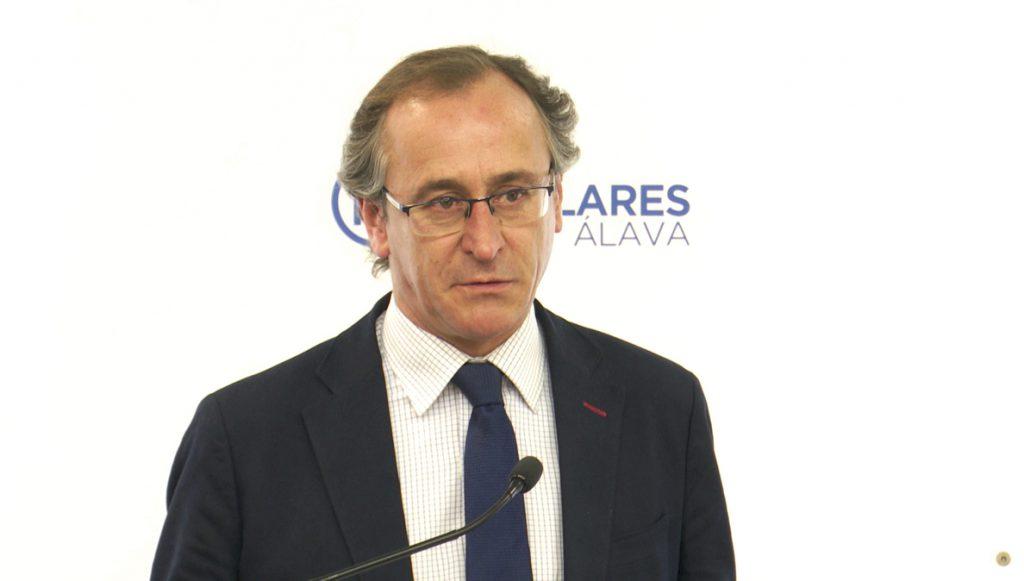 Alonso presenta su dimisión como presidente del PP vasco