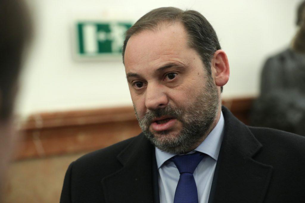 Ábalos niega las «falsedades» sobre Delcy Rodríguez