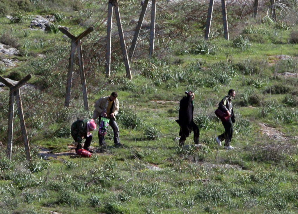 Los eurodiputados rechazan la presión turca, piden revisar las reglas de asilo