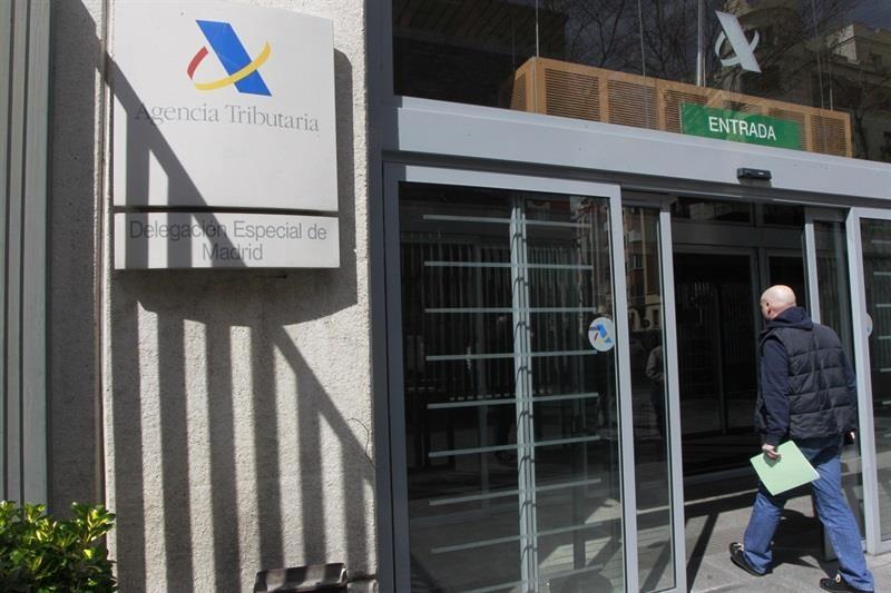El Ayuntamiento ofrece alternativas a la atención presencial en materia tributaria