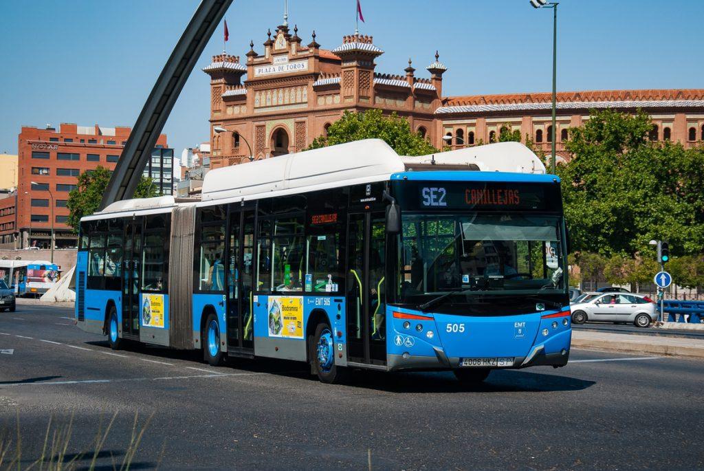 Las CC.AA reciben mascarillas para su entrega a trabajadores de transporte público terrestre