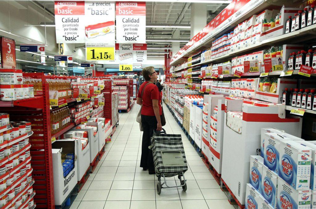 El CERMI urge a Consumo a regular legalmente que los supermercados prioricen a las personas con discapacidad y mayores en el reparto a domicilio