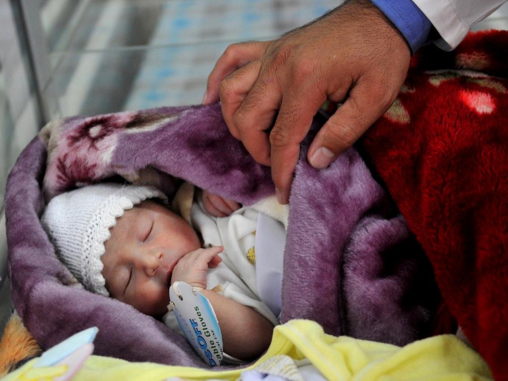 ¿Qué necesita un recién nacido confinado en sus primeras semanas de vida?