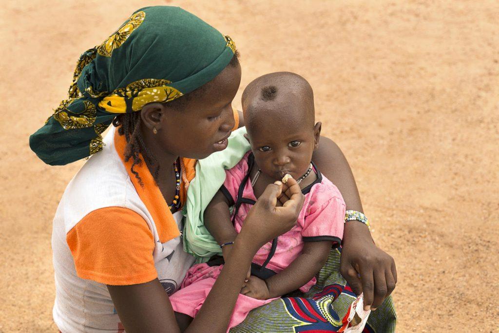 Virginia Alfaro: «La crisis del coronavirus no ha hecho perder la calma al pueblo africano»