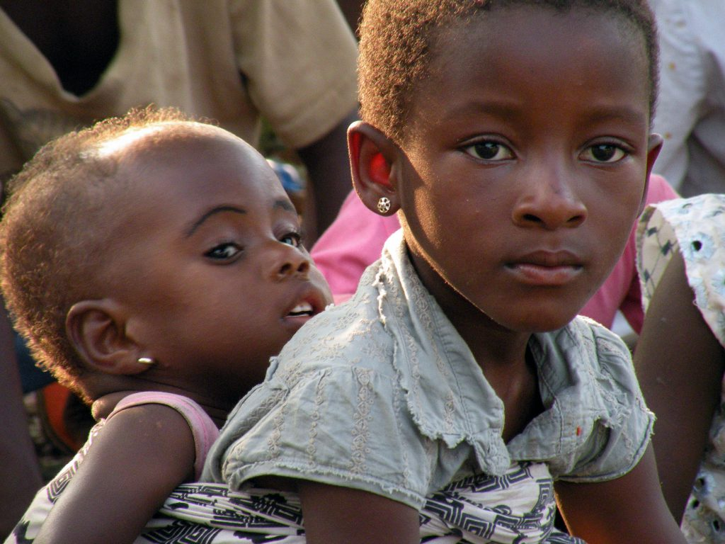 Las niñas y adolescentes de Mozambique y Zimbabue se enfrentan a una catástrofe por la COVID-19