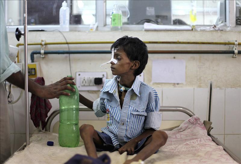 El ciclón Amphan deja a los supervivientes de India y Bangladesh expuestos al COVID-19 en refugios