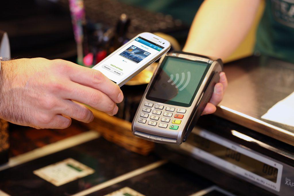 El pequeño comercio dispara el uso de aplicaciones de pago por móvil