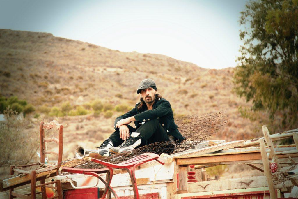Miguel Campello estrena 'Barrio' , tercera canción adelanto de su nuevo disco