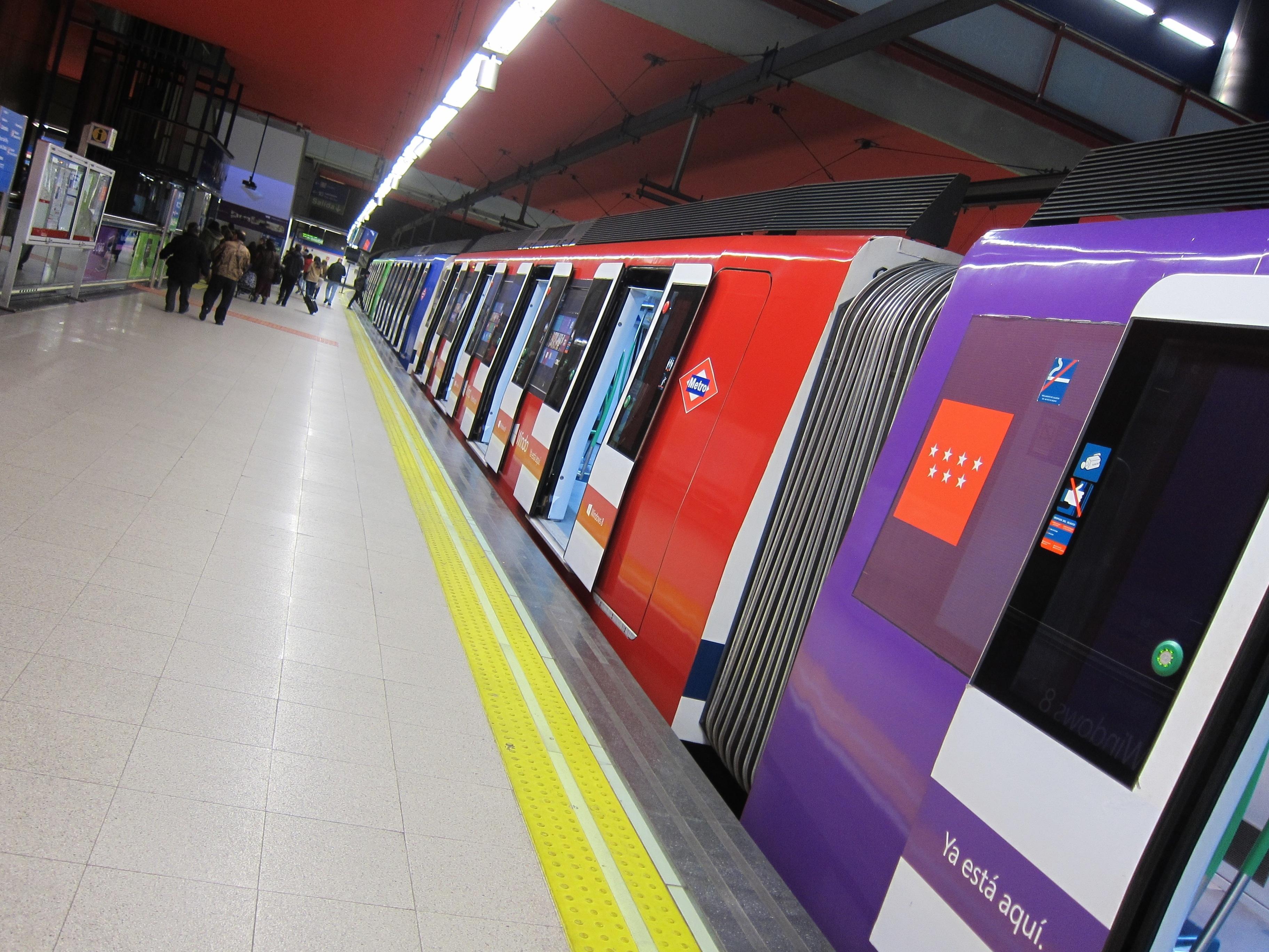 El Gobierno aprueba 275 millones de euros para financiar el déficit extraordinario de los servicios de transporte público