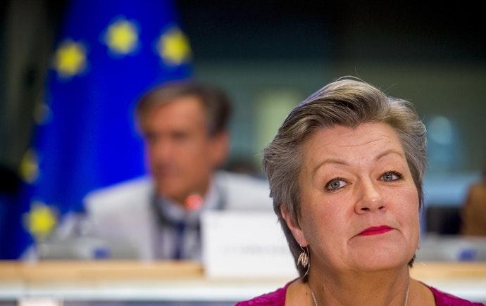 La Comisión Europea cuestiona que el nuevo pacto migratorio evite desastres como el de Lesbos y piden la reubicación obligatoria