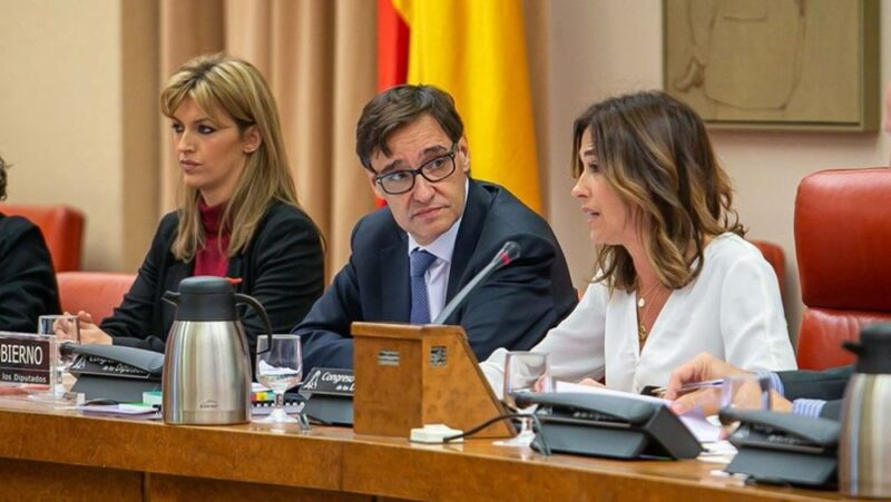 La presidenta de la Comisión de Sanidad del Congreso de los Diputados critica la falta de una evaluación externa