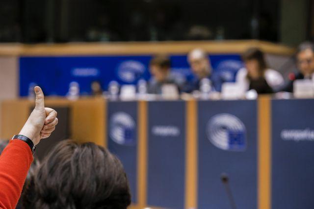 El bilingüismo en las aulas en Cataluña, a examen en la comisión de Peticiones del PE