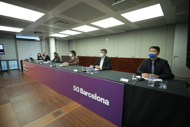 La conectividad 5G y la inteligencia artificial permitirán la geoposición exacta y en tiempo real de embarcaciones en el Port de Barcelona