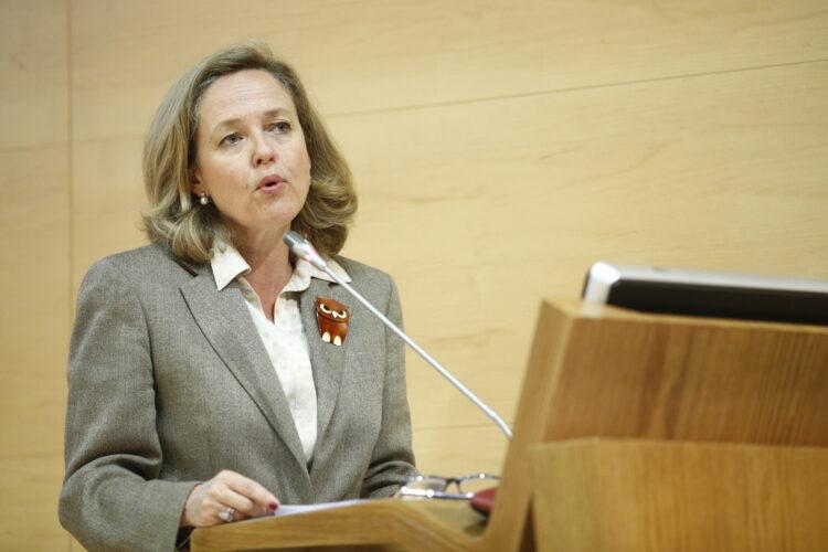 Bruselas avala los Presupuestos Generales de España pero ve en peligro la estabilidad fiscal del país