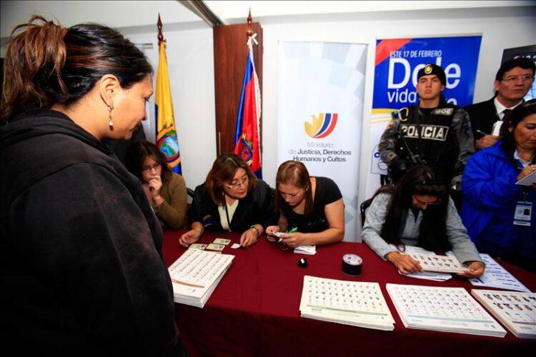 Elecciones Ecuador: Lasso se alza con la victoria y el candidato correísta pide buscar consenso