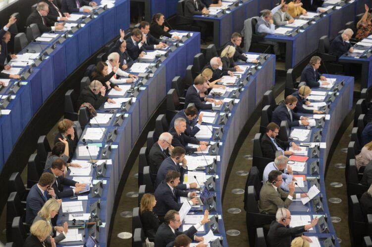 La Comisión presenta un planteamiento actualizado sobre la respuesta de la política presupuestaria a la pandemia