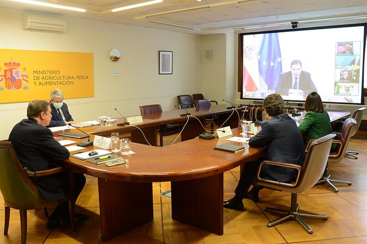 Luis Planas anuncia que el Gobierno aprobará este año la ley sobre desperdicio alimentario